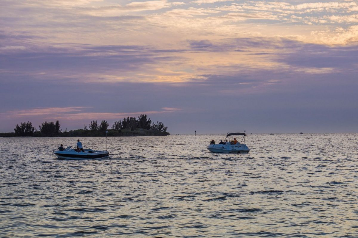 Boating on the Gulf of Mexico, Most Popular Excursions Explained    Siesta Key    Crystal Sands on Siesta Key