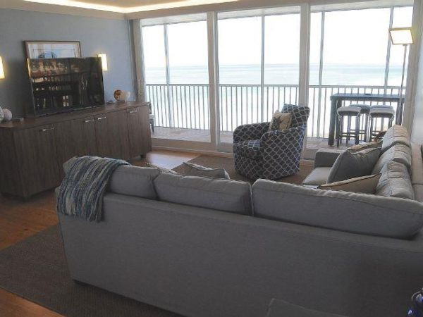 We have five beachfront condos on Siesta Key on the top floor, all with stunning and incomparable views of the turquoise waters and white-sand beaches.