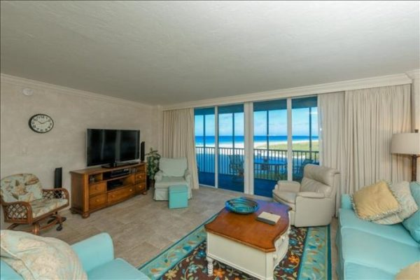 You can't miss our Siesta Key beachfront condos. With a peculiar shape right over the water, our Siesta key condos dazzle and impress.