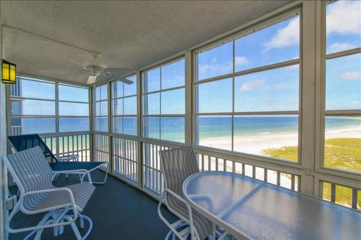 Oceanfront vacation condo at the Crystal Sands in Siesta Key