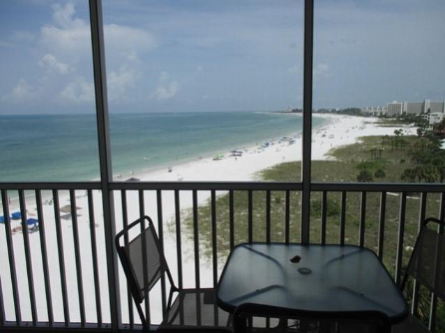 Two bedroom vacation rental steps from the beach in Siesta Key