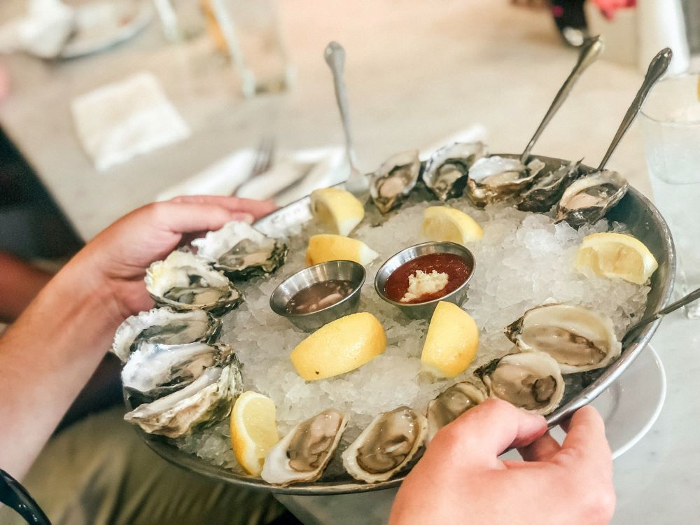 raw oyster platter