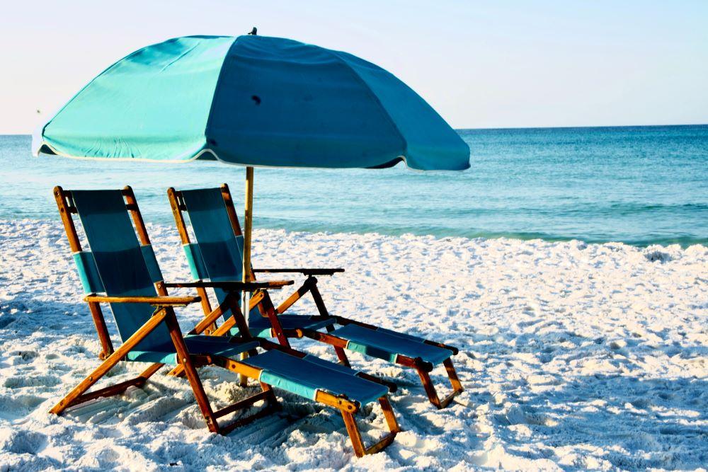 beach chairs on siesta key
